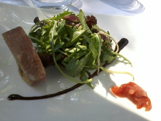 ballotine de pintade foie gras serrano photo de le petit jardin montpellier tripadvisor. Black Bedroom Furniture Sets. Home Design Ideas