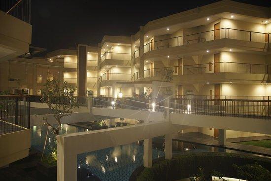 level 1 night shot picture of vouk hotel suites nusa dua rh tripadvisor ca