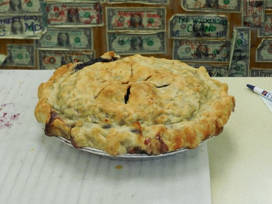 Quietside Cafe and Ice Cream Shop: Blueberry pie...seriously, how delicious does this look?!?!