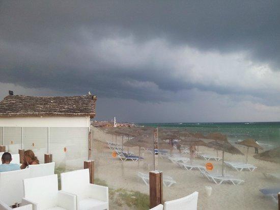 Djerba Mare: agosto...con forte temporale