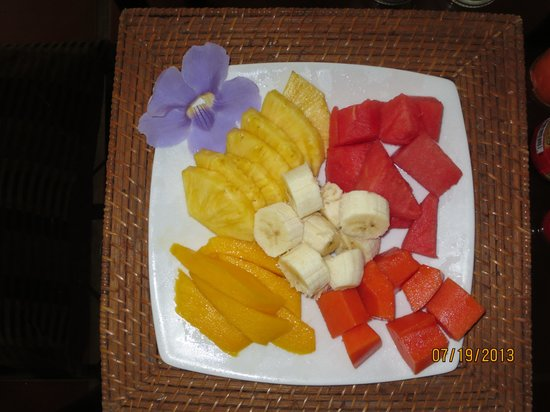 Casagua Horses Tours: Fresh Fruit every morning at the ranch!