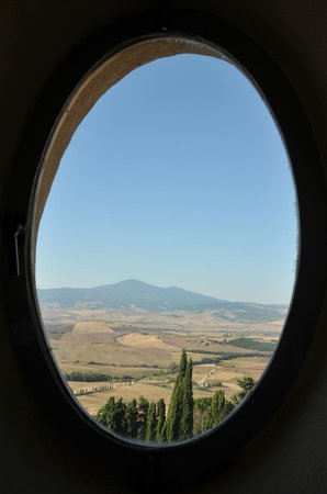 Il Chiostro di Pienza: View from Bathroom Window