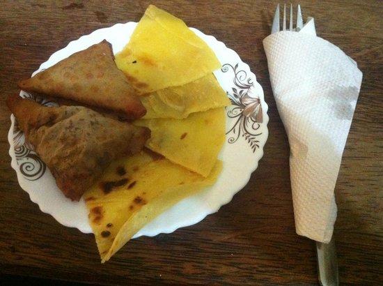 Pizzeria Kisiwa : sambosa e chapati