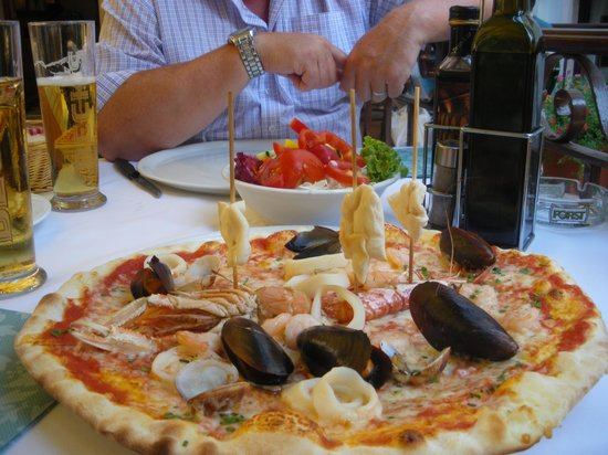 Mignon: Saefood Pizza with Sails ! ! !