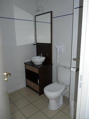 Appart'City Angoulême Centre : salle de bain