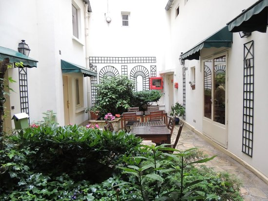 Marmotel Etoile : patio