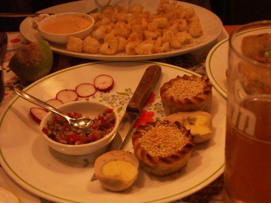 Barood: pastalikos e calamari fritti