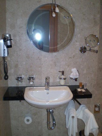 Absolutum Boutique Hotel: Bathroom