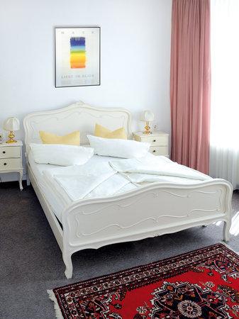 Hotel Einhorn: Queensize-Zimmer