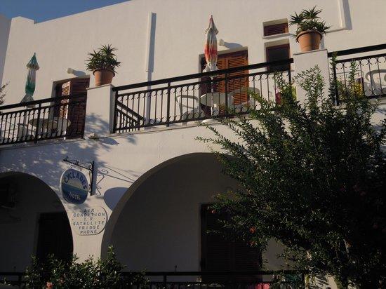 Cyclades Hotel and Studios: grazioso e curato..