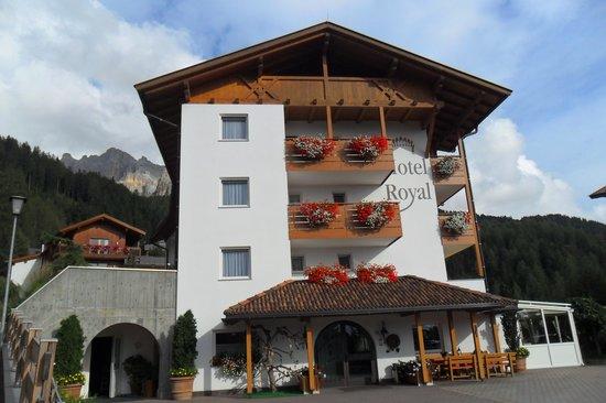 Hotel Royal : HOTEL DALL'ESTERNO
