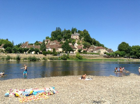 Camping le Port de Limeuil : The River and Limeuil