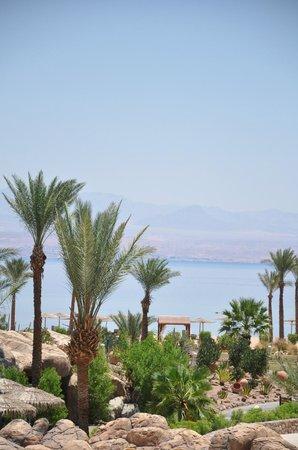 The Bay View Resort Taba Heights : vue de l'hotel sur la mer rouge