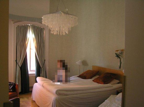 "Elite Hotel Adlon: The ""round"" room of the mini-suite"