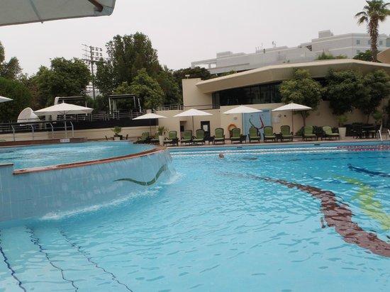 Jumeirah Creekside Hotel: Downstairs swimming pool