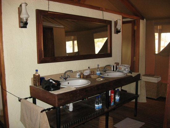 Sanctuary Kusini, Serengeti: Sinks. Shower stall L, Toilet stall R