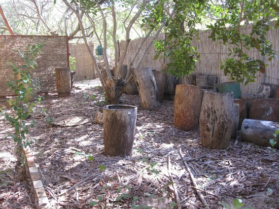 Machilla Magic: Old rice pounders