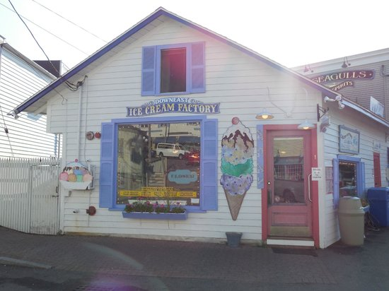 Downeast Ice Cream: How cute is this place?