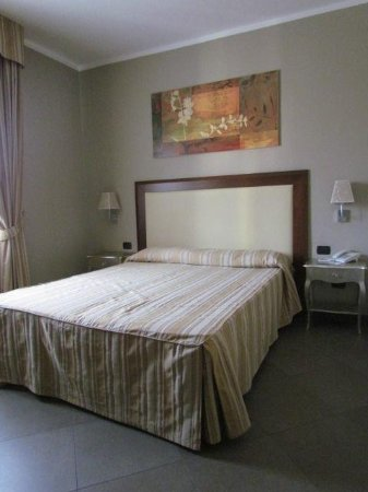 Hotel For You : chambre standard