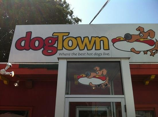 Dogtown Incorporated: Front entrance