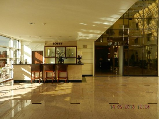 Faltom Hotel & Spa: Lobby