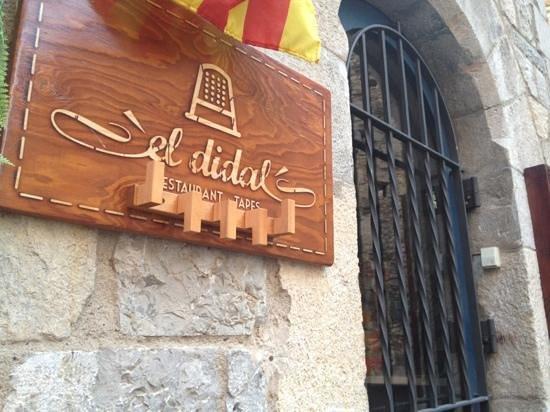 El Didal: вход в ресторан