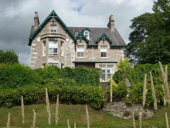 Craigroyston House and Lodge: Aussenansicht vom Hotel