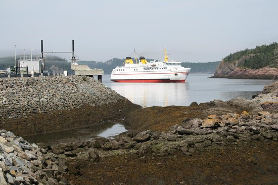 Beach Front Cottages: ferry to Grand Manan