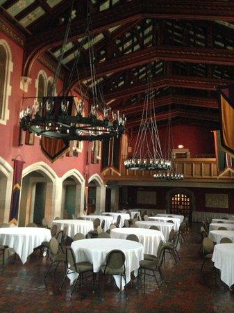 بيرترام إن آت جلينمور: Chapel Banquet Hall