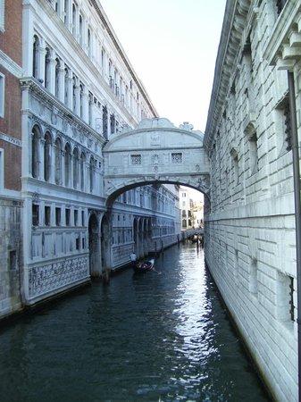 Hotel Garibaldi: Bridge of sighs