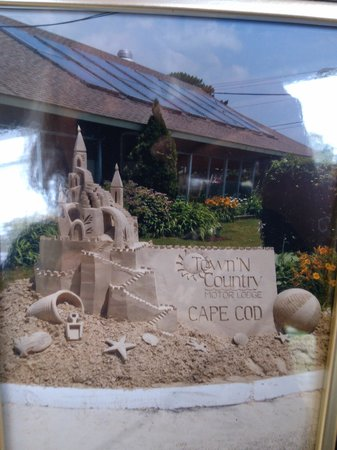 "Town 'n Country Motor Lodge: The sand ""castle."