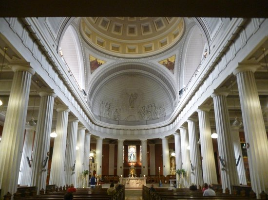 St. Mary's Pro-Cathedral: Interior