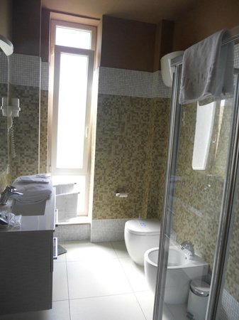 Plana Hotel: Bagno