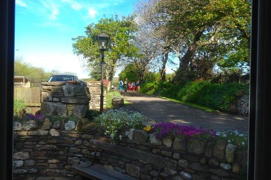 Kionslieu Farm Cottages: Off on a family walk