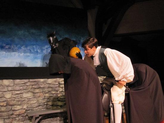 East Lynne Theater Company : Headless Horseman and Ichabod Crane