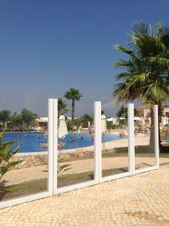 Vitor's Village Resort: piscina