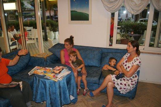 Hotel Morri: Momento di relax nella hall