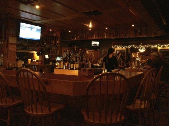 Bennethum's Northern Inn: The bar area at Bennethum's