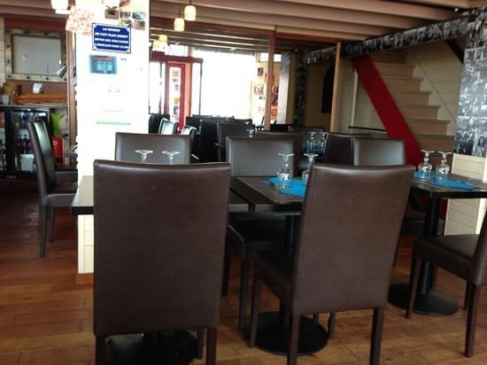 La Voile Bleue : inside the restaurant