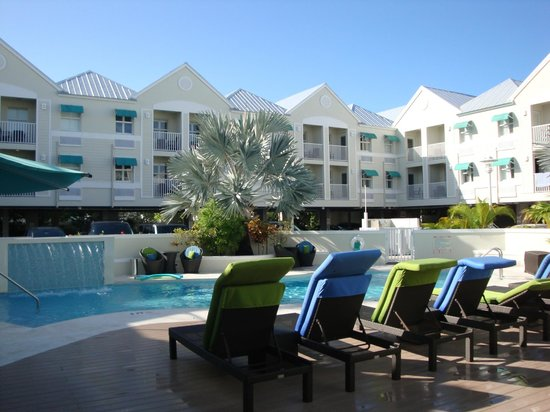 Silver Palms Inn: The pool