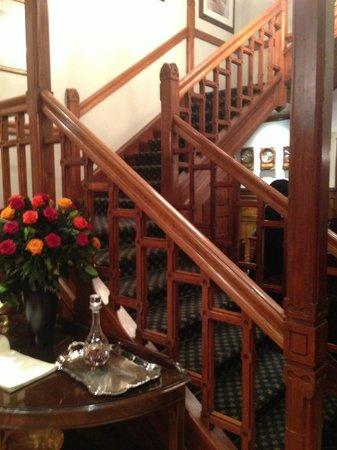 Courtyard Hotel Arcadia: Lobby area