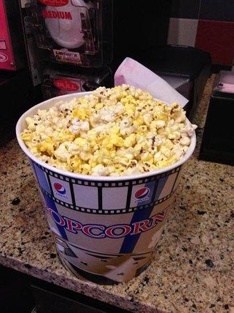 Waite Park, MN: large popcorn