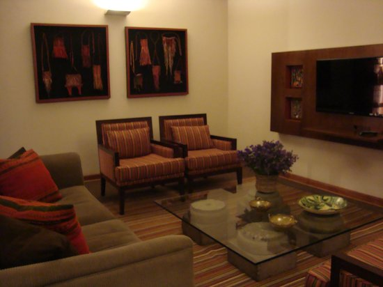 LP Cusco Hotel: Living