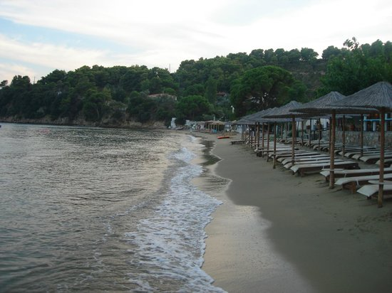 Hotel Esperides: Evening on the beach