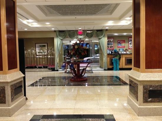 Radisson Hotel Orlando - Lake Buena Vista: entrance view