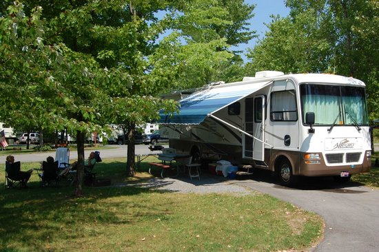 The Villages RV Park: Plenty of room to enjoy your site