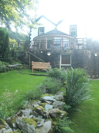 The Cottage in the Wood: Garden