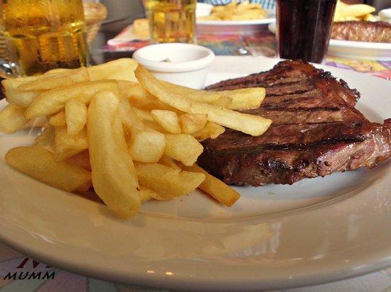 Kostelo resto & grill: Bife chorizo con papas fritas