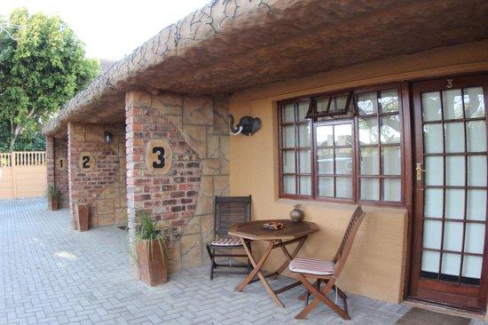 Treetops Guesthouse: Außenansicht