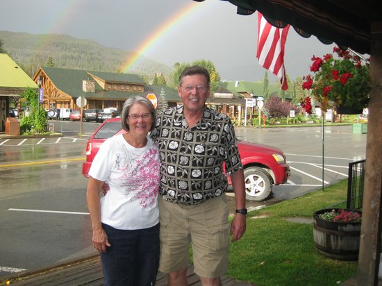 O- A Bistro: Waiter called our attention to a beautiful rainbow outside restaurant